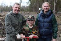 «Семейный десант» на посадке леса.