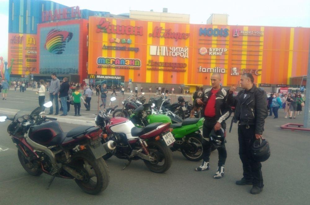 Участники мотопробега стартовали с Летнего вокзала Кемерова и завершили своё путешествие в Новокузнецке.