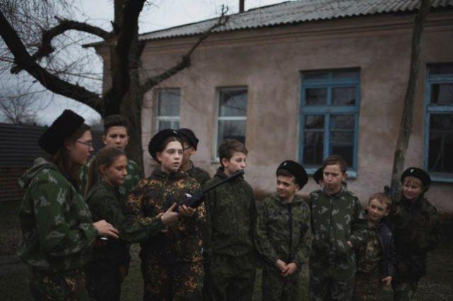 Больше всего наград Эдуард получил за серию работ о ставропольских кадетах .
