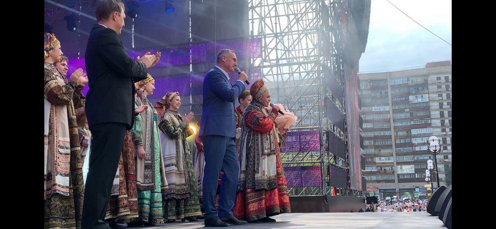 Народная артистка России Надежда Бабкина поздравила жителей Тюменской области с юбилеем.