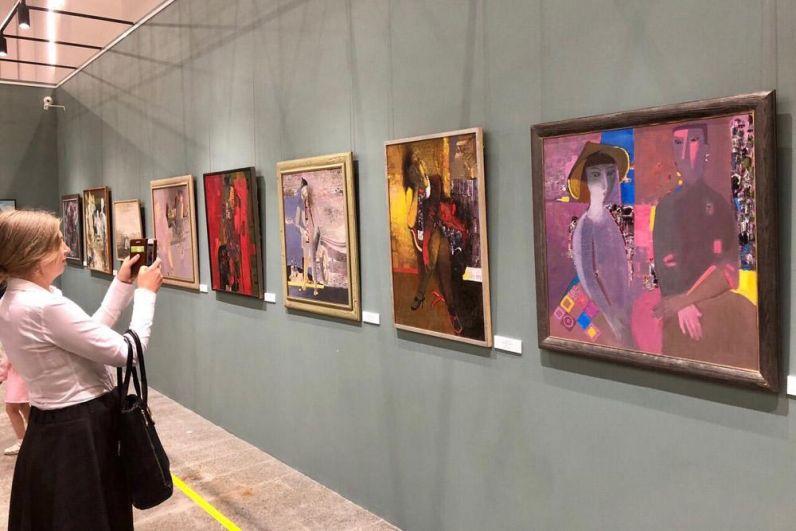 К юбилею области в музейном комплексе им. Словцова открылась выставка тюменских художников.