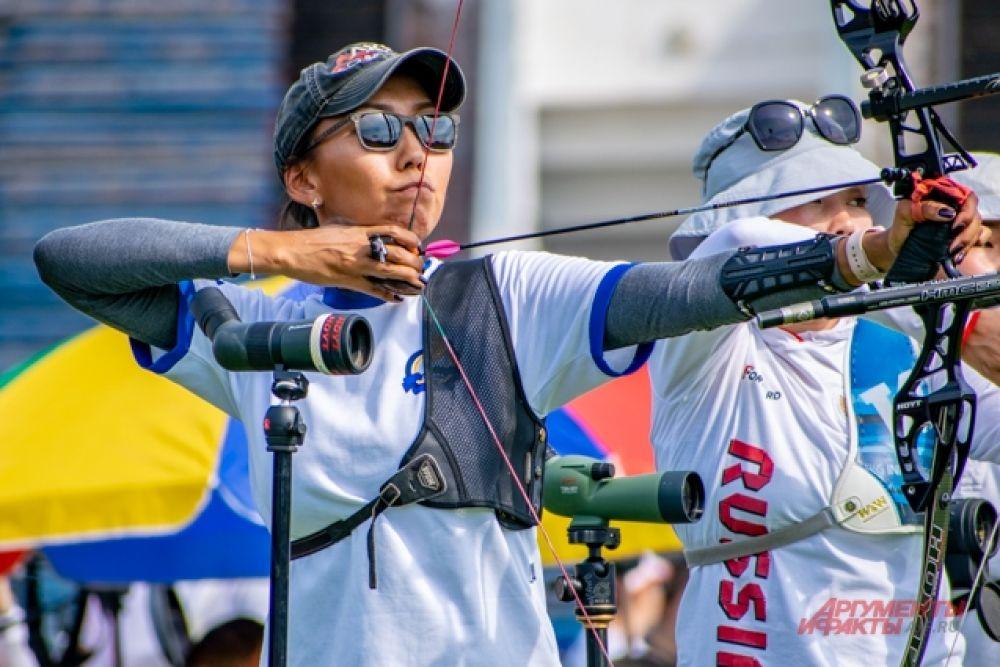 Деление на группы позволяло разным спортсменам поочерёдно стрелять в один щит.
