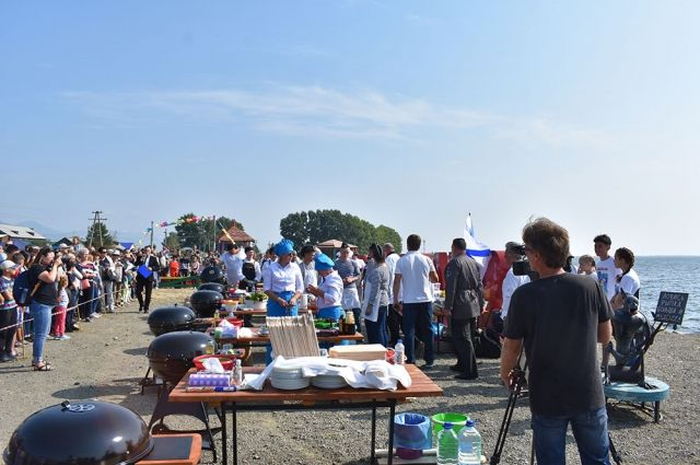 Фестиваль собрал большое количество местных жителей и гостей района.