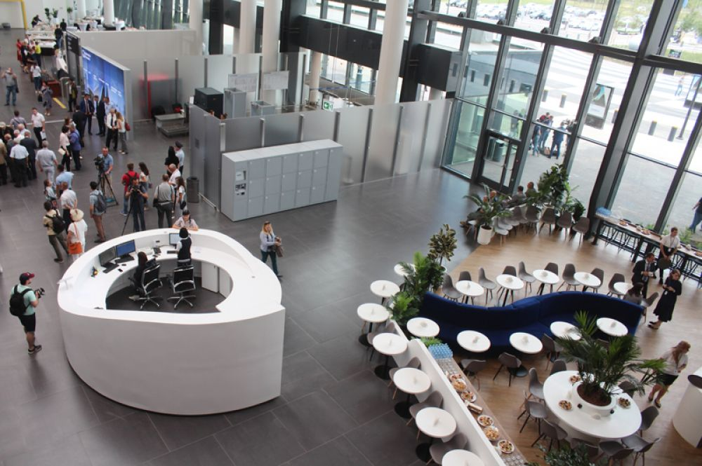 Холл международного аэропорта «Гагарин».
