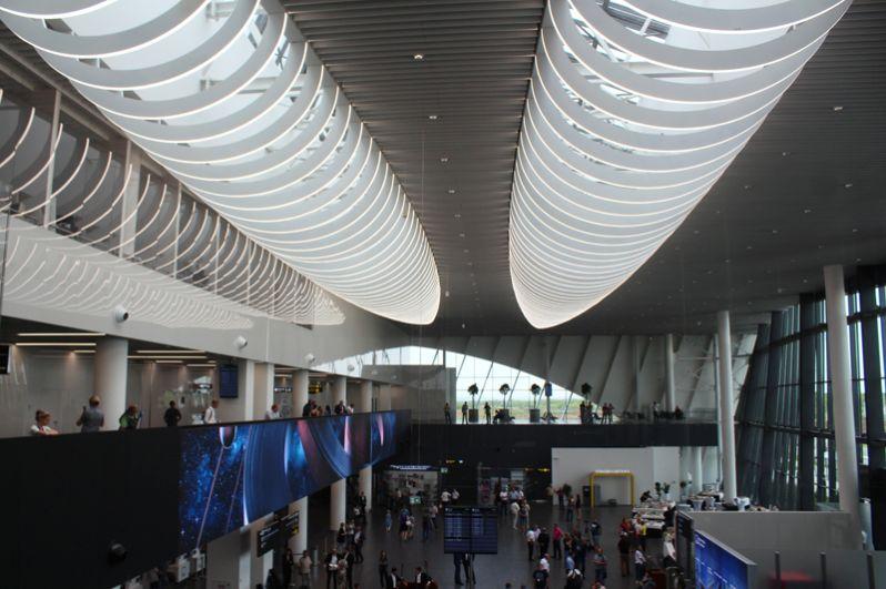 В здании международного аэропорта «Гагарин».