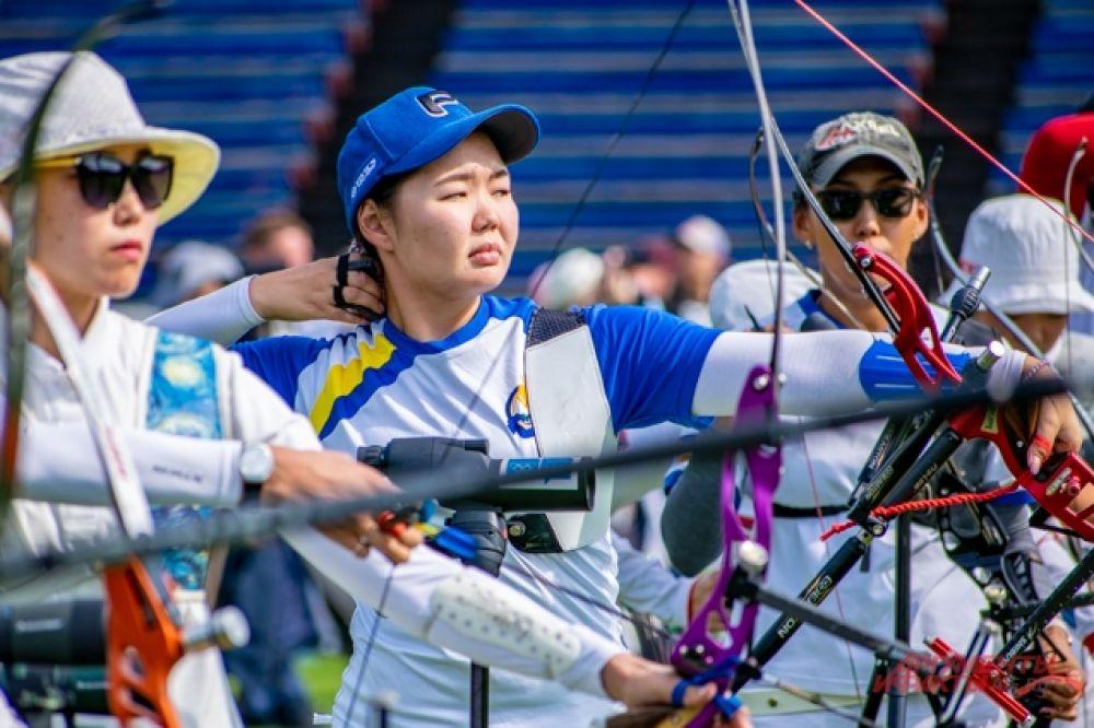 Соревнования проходили среди женщин, мужчин, и команд-микс