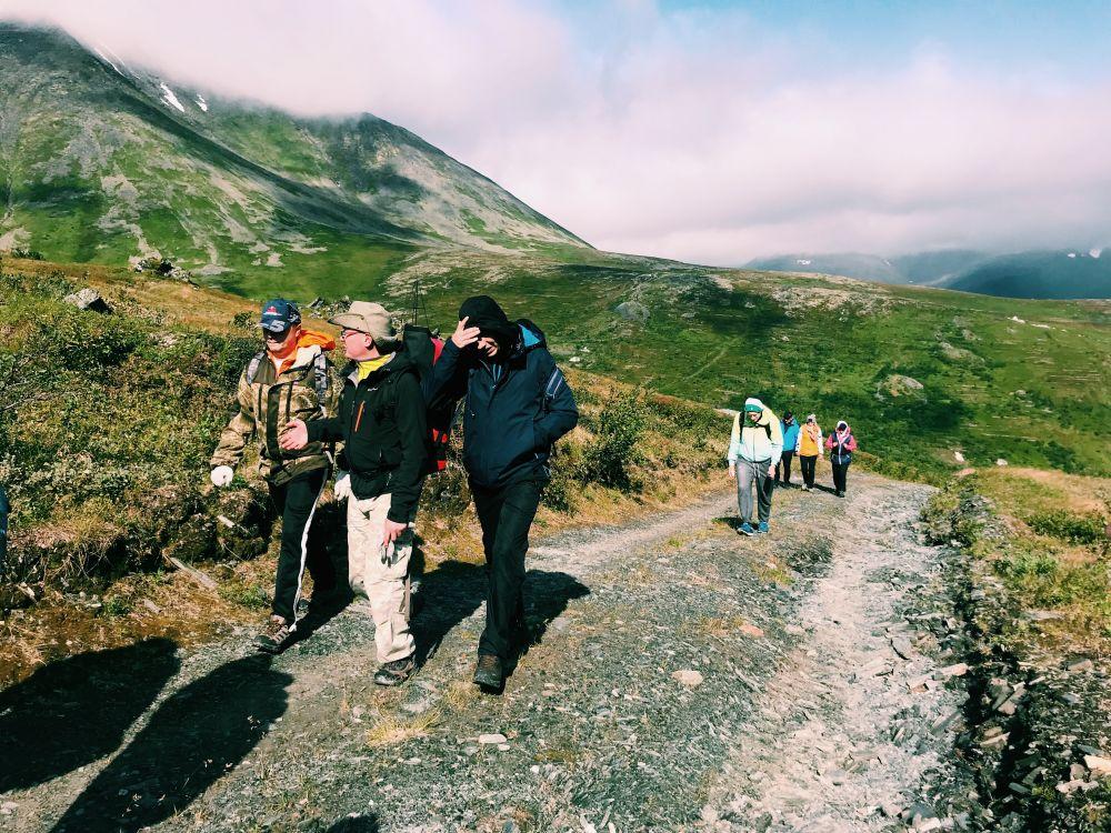 """Участники форума """"Тропой первопроходцев"""" исследуют месторождение Додо"""