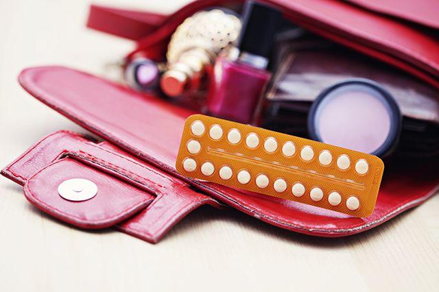 В министерстве здравоохранения пояснили, что врачи будут предлагать контрацептивы женщинам с целью научить их избегать нежелательной беременности и абортов, и, конечно, сохранить способность при желании родить ребёнка.