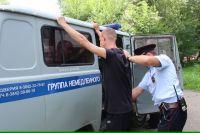 Порой горожане, отказавшись подчиниться требованиям полиции, переходят «в наступление».