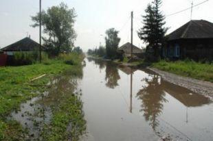 Только за сутки коммунальщики откачали 520 куб.м. дождевой воды