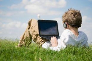 Украинские школьники смогут учиться дома по желанию родителей