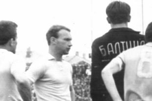 Экс-защитник «Балтики» отметил 80-й день рождения