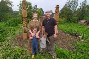 Юля и Сергей переезжали в Юго-Камский втроём с маленькой Олей. Уже здесь у них родился Ярик.