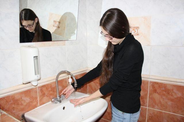 Водоканал рекомендует населению использовать в пищу только кипячёную воду.