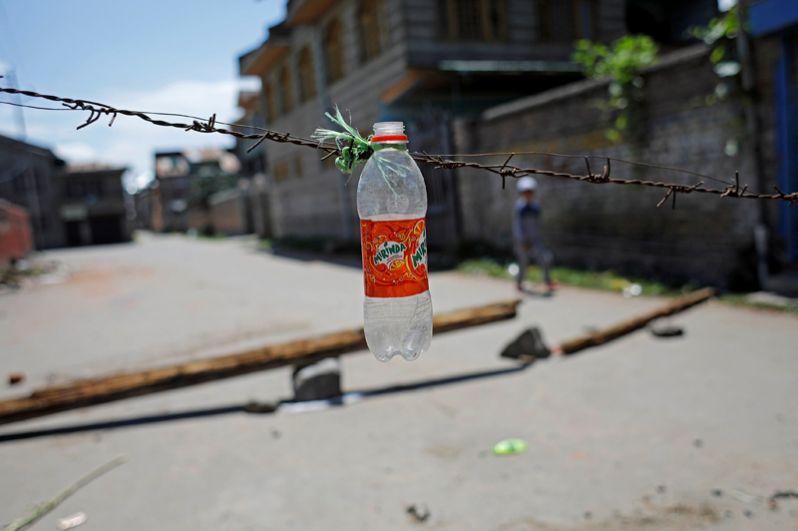 Заграждения на улицах Сринагара.