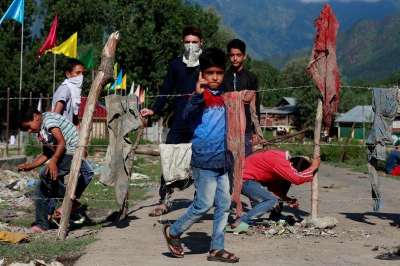 В индийской части активно действуют группировки, выступающие за отделение от страны.