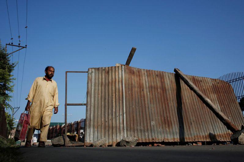 Баррикады на улицах Сринагара.
