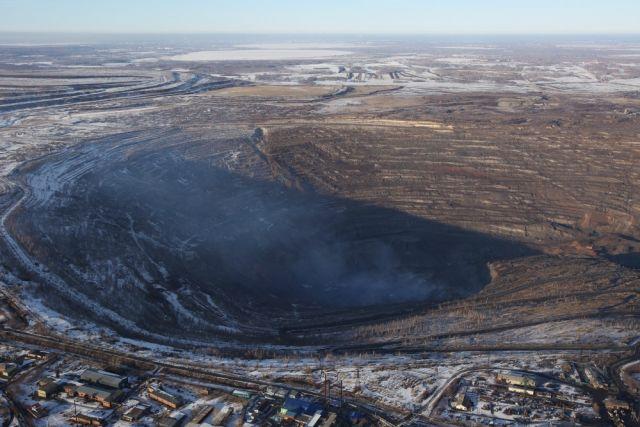 Коркинский разрез Алексей Текслер посетил, едва вступив в должность, и распорядился решить проблему пожаров. Сейчас случаи возгорания происходят намного реже.