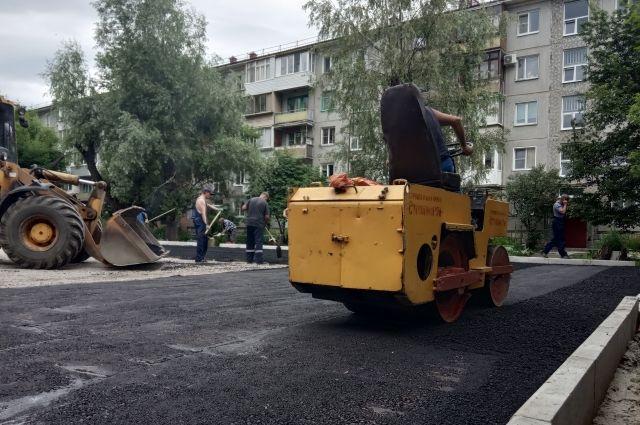 Ремонт омских дворов закончат в середине сентября