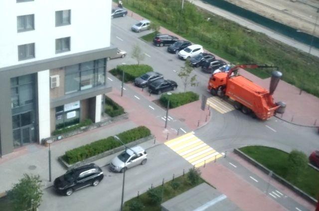 Фото тюменцев, мешающих проезду мусоровозов, появятся в соцсетях