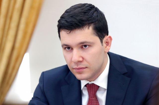Антон Алиханов поздравил жителей области с Днём Государственного флага