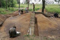Раскопки курганной насыпи у Витебского шоссе.