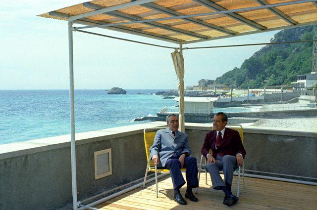 Дача для генсека. Как отдыхали в Крыму советские лидеры?