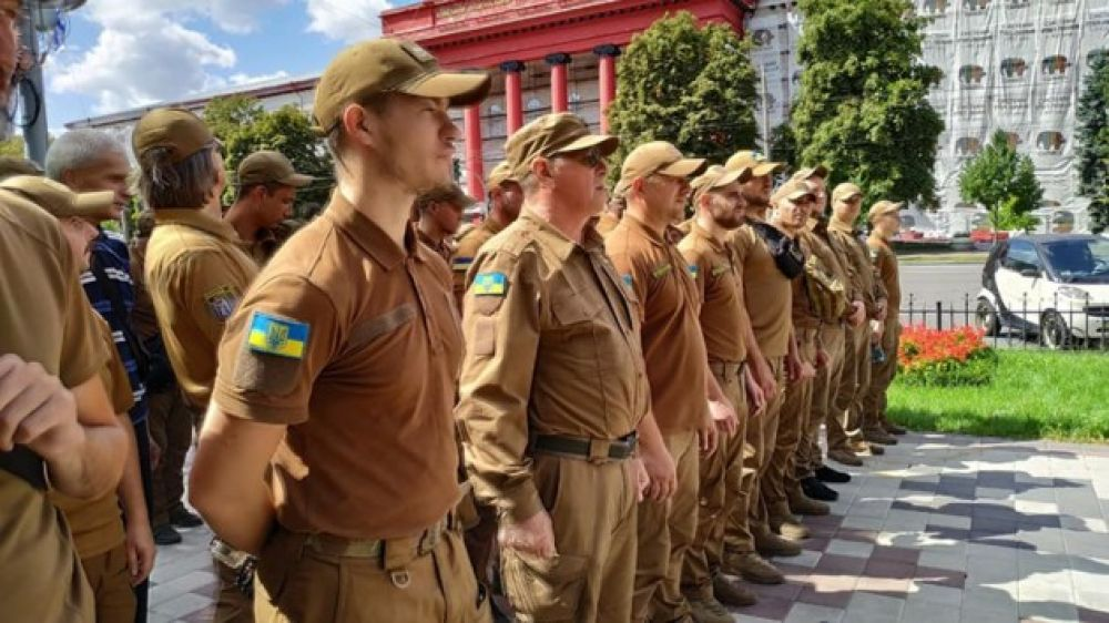 Марш защитников Украины - еще одно мероптиятие, которое проходит уже без участия официальных лиц - при помощи волонтеров и неравнодушных граждан.