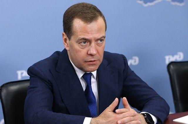 Медведев оценил последствия давления США на Huawei