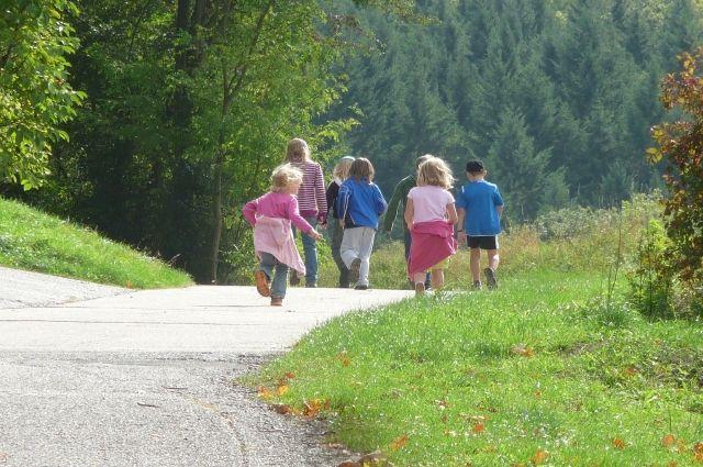 Последние выходные перед школой нужно провести детям на свежем воздухе.
