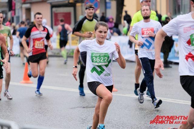 Денежные призы за 2-6 места на дистанции 42,195 км и за 1-3 места на дистанции 21,1 км будут больше, чем в предыдущие годы в среднем на 30%.