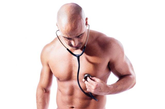 Мужское здоровье: врачи назвали скрытые симптомы болезней у мужчин