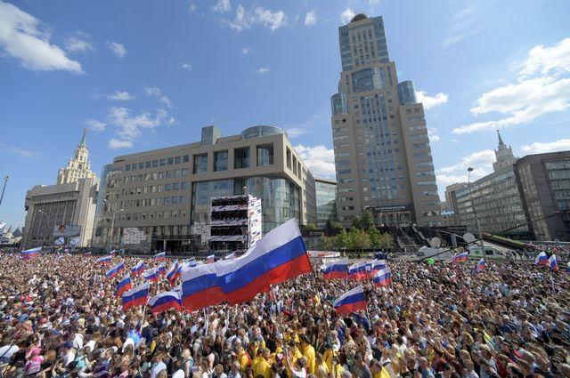 Митинг-концерт на проспекте Академика Сахарова собрал 110 тысяч человек