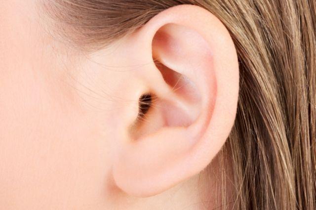 Медики рассказали о каких болезнях может предупреждать шум в ушах
