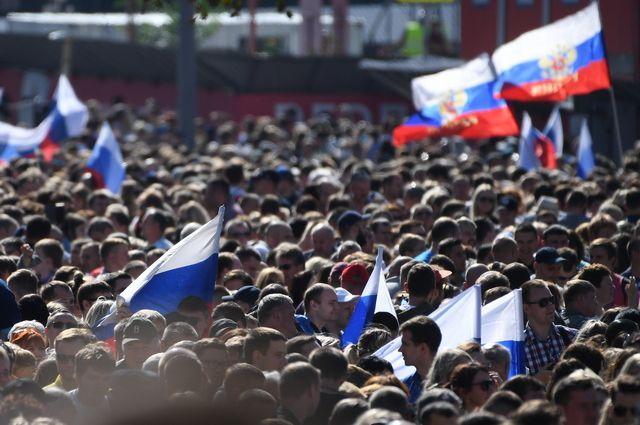 Более 110 тысяч человек отметили День флага на проспекте Сахарова