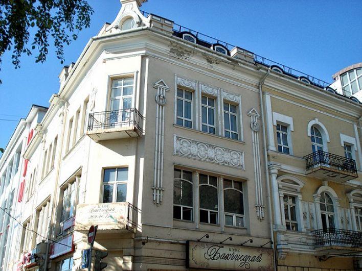 Доходный дом К.Х. Бахчисарайцева, проспект Буденновский, 26/57, улица Социалистическая.