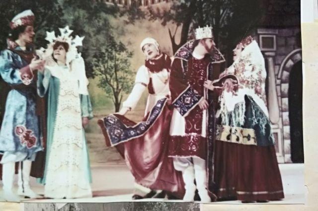 В «Сказке о царе Салтане» дети играли возрастных персонажей.