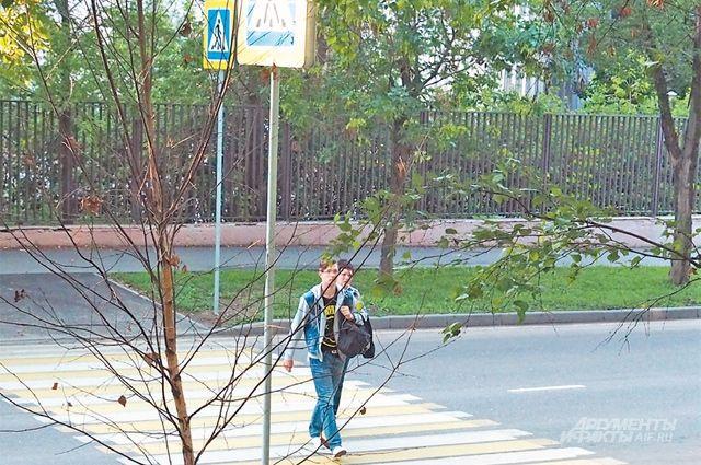В Калининграде 19-летняя автоледи наехала на детей 2-х и 5-ти лет