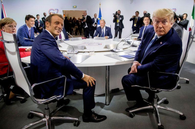 Эммануэль Макрон и Дональд Трамп во время в рабочей сессии саммита G7 по вопросам глобальной экономики, внешней политики и безопасности.