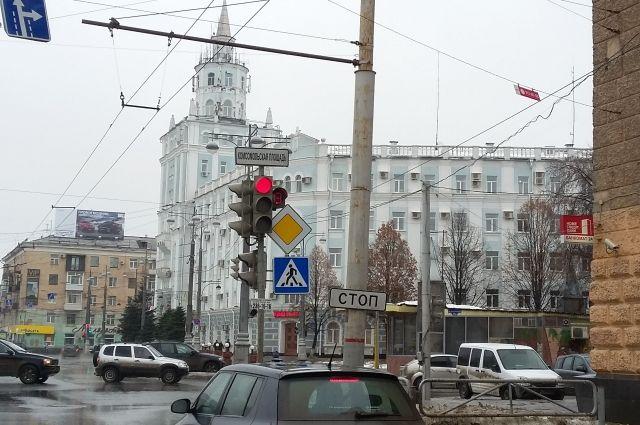 Автобусы №1, 5, 19 и 59  продолжат следовать в объезд по улице Пушкина и Комсомольскому проспект.
