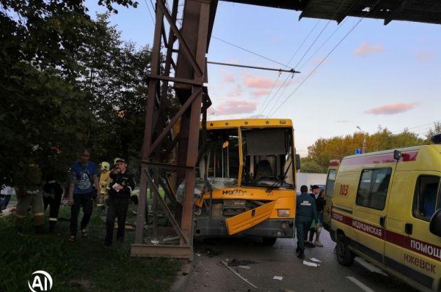 В ГИБДД назвали виновника ДТП с автобусом в Ижевске