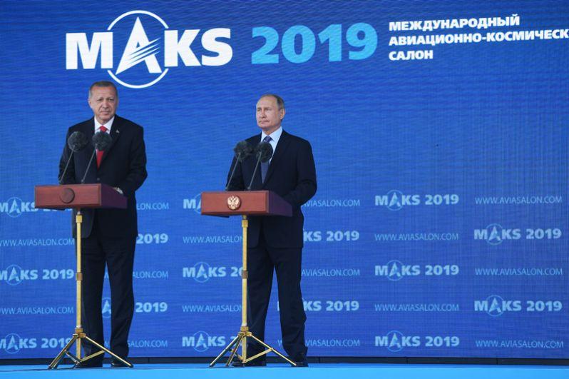 Президент РФ Владимир Путин и президент Турции Реджеп Тайип Эрдоган на открытии Международного авиакосмического салона МАКС-2019.