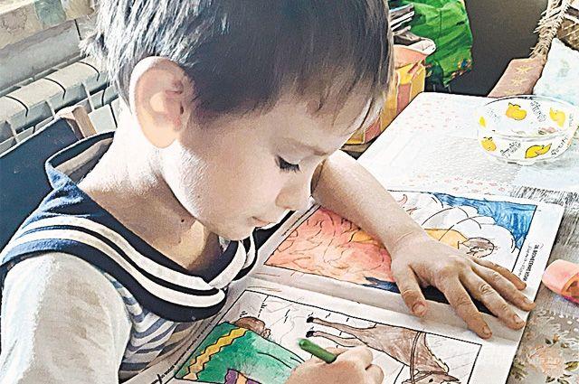 Старший сын Богдан уже к школе готов.