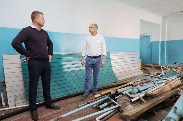 Зданию больницы в Новой Уде давно нужен ремонт.