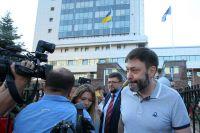Кирилл Вышинский у здания Апелляционного суда Киева.