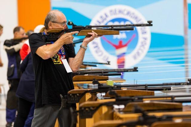 В соревнованиях по пулевой стрельбе «бронзу» взял Владимир Боченков.