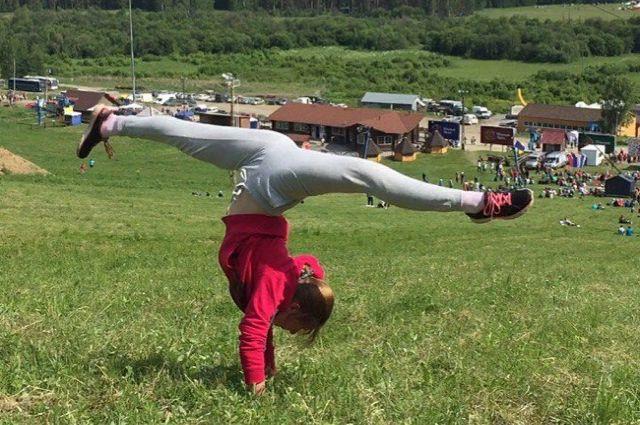 Диана — кандидат в мастера спорта по спортивной гимнастике.