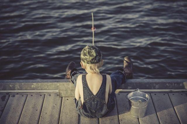 Рыбку осенью поймать не так-то просто.