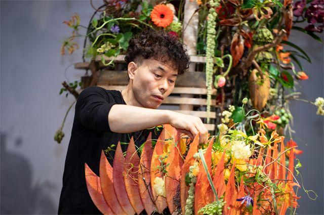 Предпенсионеры, например, могут освоить профессию флориста.
