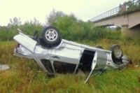 Машина перевернулась, а водитель получил травмы, несовместимые с жизнью.